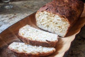 Chleb z Papryczkami Jalapeño i Cheddarem (Jalapeño Cheese Bread)